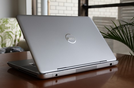 XPS 15z デザイン